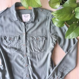 A & F Casual Soft Button Down Olive Army Green XS
